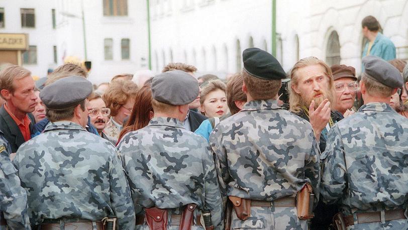 Встреча на Ярославском вокзале. 1994 год. Фото ИТАР-ТАСС/Валентин Кузьмин и Александр Неменов