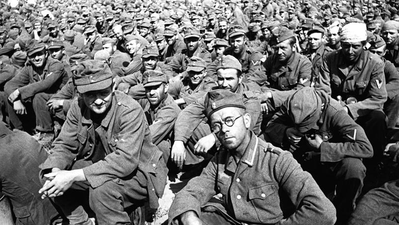 Пленные немцы на Ходынском поле в Москве