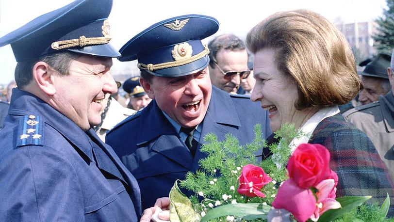 Космонавты Валентина Терешкова, Александр Волков и Виктор Афанасьев (справа налево). 1996 год