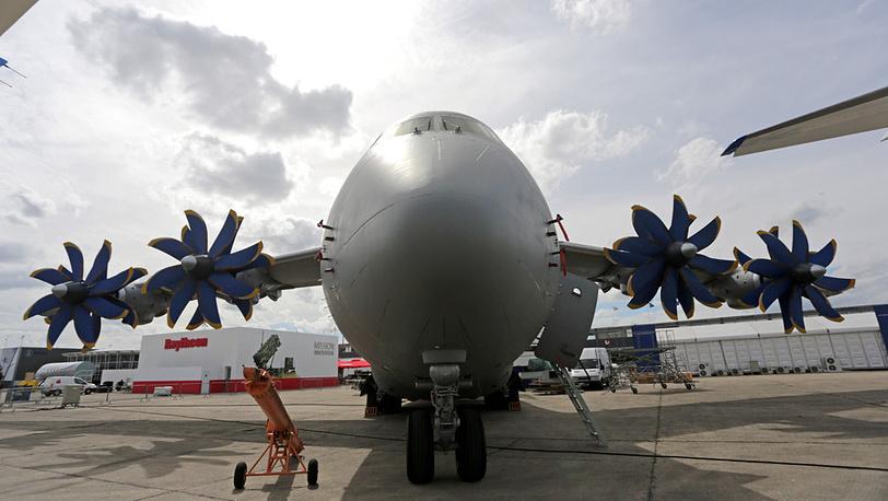 Грузовой самолет Ан-70
