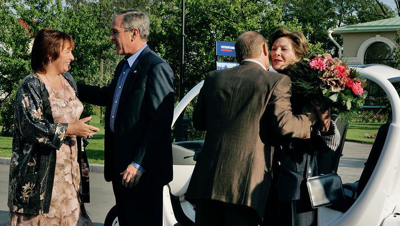 2006 год. С супругами Буш