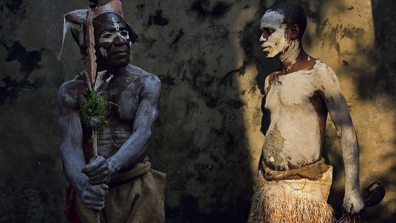 Паскаль Мэтр / фотоагентство Cosmos / Журнал National Geographic. Пигмеи в Киншасе, столице Демократической республики Конго.