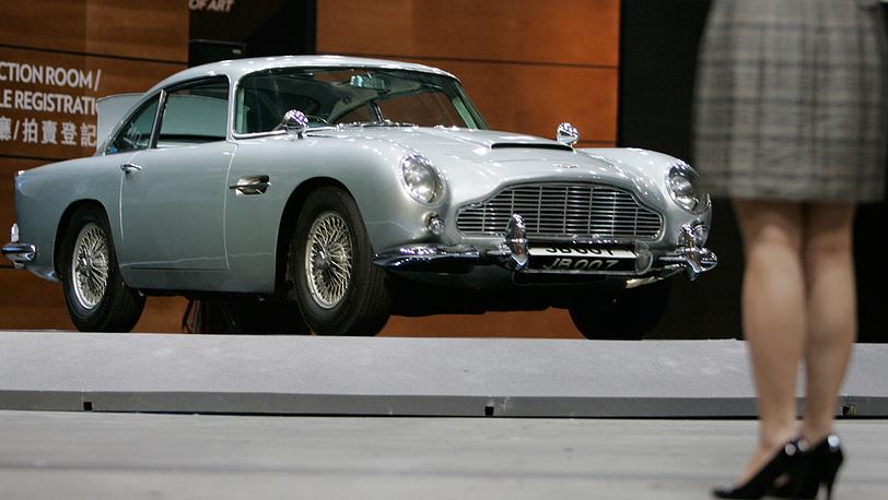"""Автомобиль Aston Martin был выбран для Бонда в фильме """"Голдфингер"""".  Фото EPA/ALEX HOFFORD"""