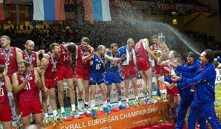 Победители чемпионата Европы на пьедестале