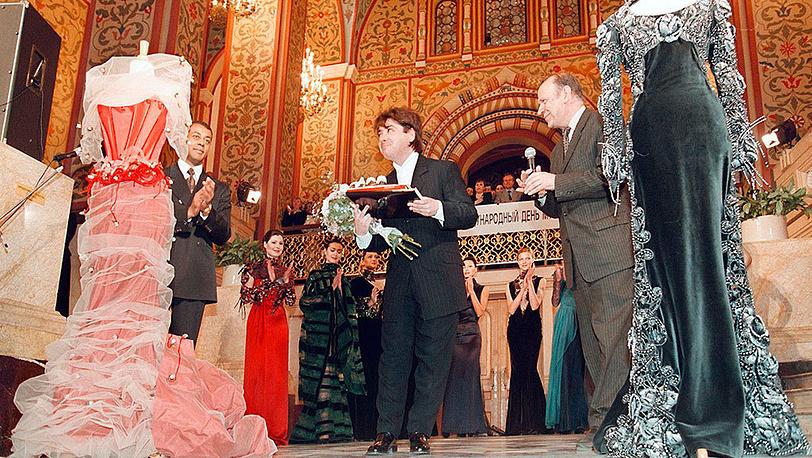 Валентин Юдашкин во время презентации коллекции «Анна Каренина» в Государственном историческом музее, 1999 г. Фото EPA-PHOTO/ EPA/ Sergey Chirikov /STF/vk/fob/ow
