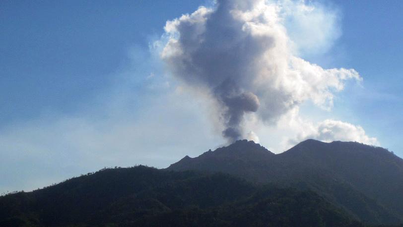 Вулкан Мерапи. 26 октября 2010. Фото AP /Jacob Herin