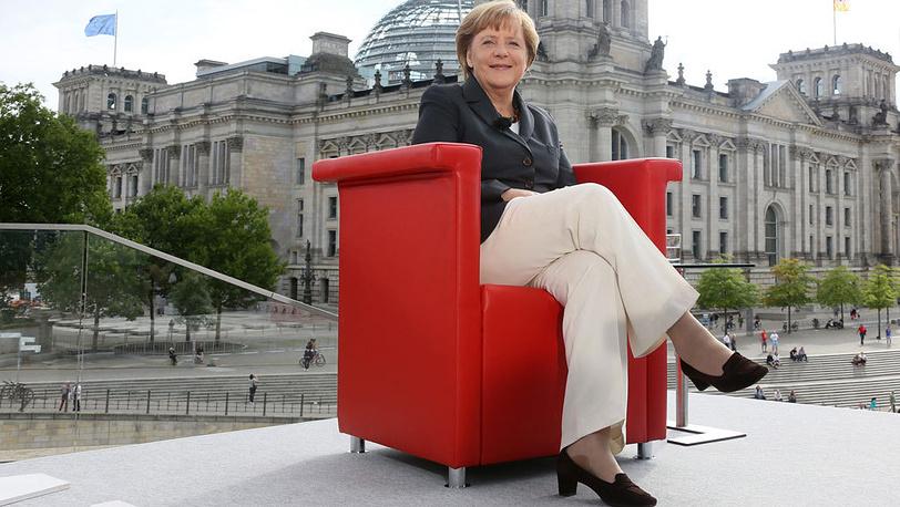 В Берлине, во время интервью СМИ. 2012. Фото EPA/STEPHANIE PILICK