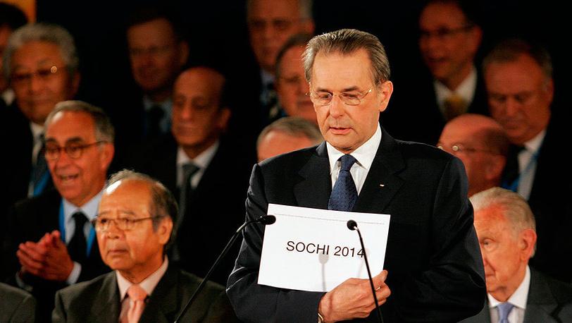 4 июля 2007 года на 119-й сессии МОК в Гватемале Жак Рогге объявил решение комитета о проведении Игр 2014 года в Сочи. Фото AP Photo/Moises Castillo