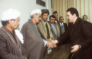 Мохаммад Наджибулла (справа), 1990 год