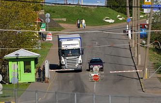 Ивангород. Контрольно-пропускной пункт на границе с Эстонией