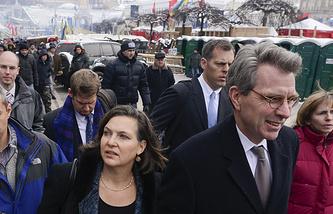 Заместитель госсекретаря США Виктория Нуланд и посол США в Украине Джеффри Пайатт