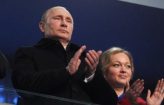 Президент РФ Владимир Путин и бобслеиска Ирина Скворцова