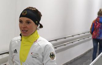 Эви Захенбахер-Штеле во время допинг-контроля в Сочи
