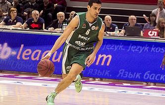 Баскетболист УНИКСа Никос Зисис