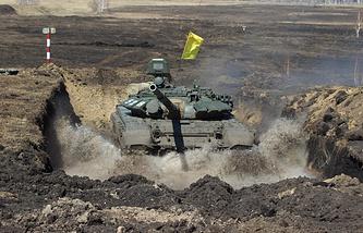 Во время второго этапа подготовки к соревнованиям по танковому биатлону