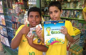 Бразильские коллекционеры наклеек