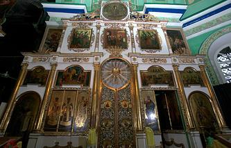 В Трехпрестольном храме Во Имя Святителя Николая в селе Быньги Свердловской области