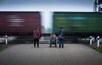 "Кадр из фильма ""Класс коррекции"""