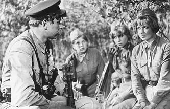 """Кадр из кинофильма """"А зори здесь тихие"""", 1979 г."""