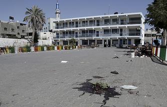 Двор школы в городе Бейт-Ханун после нападения