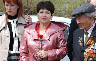 Наталья Федотова (в центре)