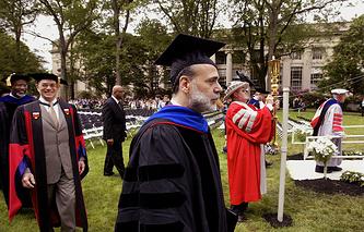 Выпускник Массачусетского технологического института, глава Федеральной резервной системы США в 2006-2014 годах Бен Бернанке на выпускном вечере этого вуза в 2006 году