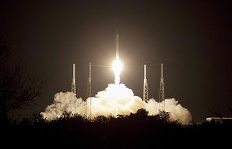 Первый коммерческий пуск ракеты-носителя Falcon 9 компании SpaceX с частным космическим кораблем Dragon для доставки груза к МКС с мыса Канаверал. 2012 год