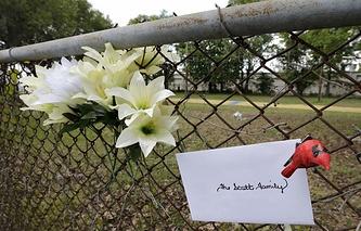 На месте убийства Уолтера Скотта в городе Норт-Чарлстон