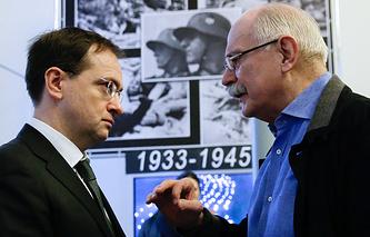 Министр культуры РФ Владимир Мединский и режиссер Никита Михалков