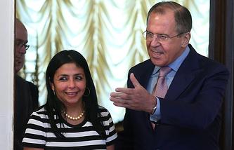 Министры иностранных дел Боливарианской Республики Венесуэла Делси Родригес и РФ Сергей Лавров