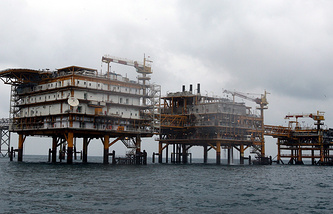 Iranian South Pars oil platform