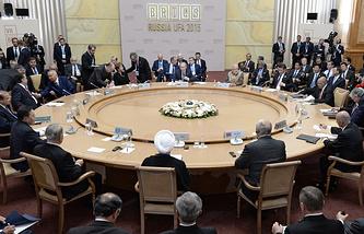 Встреча лидеров БРИКС с главами приглашенных государств в рамках саммита БРИКС в Уфе