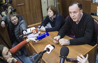 Вадим Тимофеев (справа)