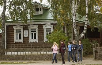 Дом родителей Сергея Есенина в музее-заповеднике в Константинове