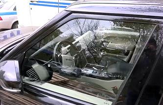 Брошенный автомобиль, на котором скрылся Амиран Георгадзе