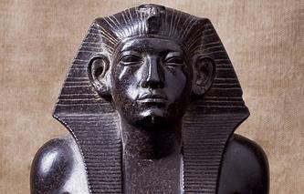 Статуя Аменемхета III. Египет. Среднее царство, середина – вторая половина XIX века до н. э.