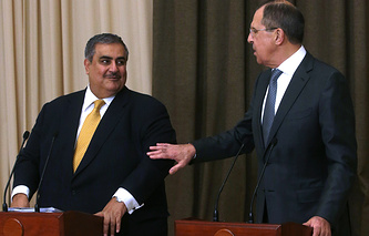 Глава МИД Бахрейна Халед бен Ахмед Аль Халиф и глава МИД РФ Сергей Лавров