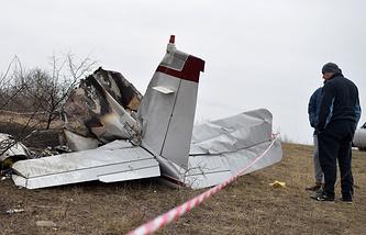 На месте крушения легкомоторного спортивного самолета в Ставрополье, 13 декабря 2015 года