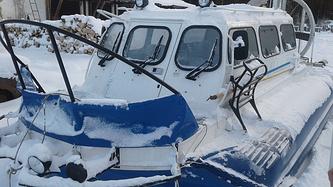 """Зимой в Бурный можно добраться на """"Хивусе"""" — судне на воздушной подушке"""