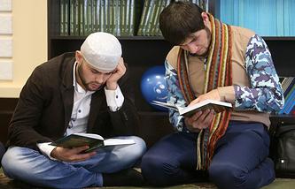 "Студенты медресе ""Мухаммадия"""