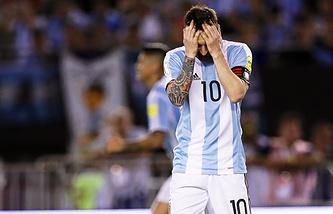 Капитан сборной Аргентины Лионель Месси в матче с командой Чили
