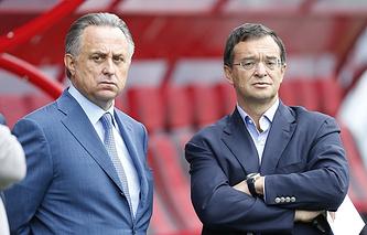 Петр Макаренко (справа)