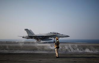 Американский истребитель-бомбардировщик F/A-18 Super Hornet