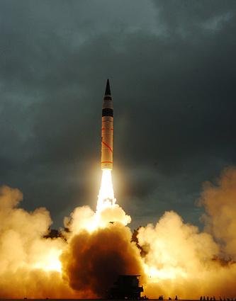 """Испытание межконтинентальной баллистической ракеты """"Агни-5"""""""