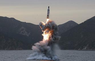 Испытание баллистической ракеты в Северной Корее