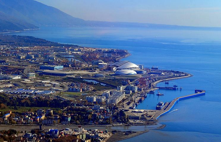 Вид на прибрежный кластер, где идет строительство олимпийских объектов.