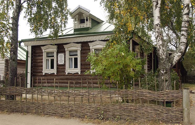 Дом в усадьбе родителей Сергея Есенина в музее-заповеднике в Константиново