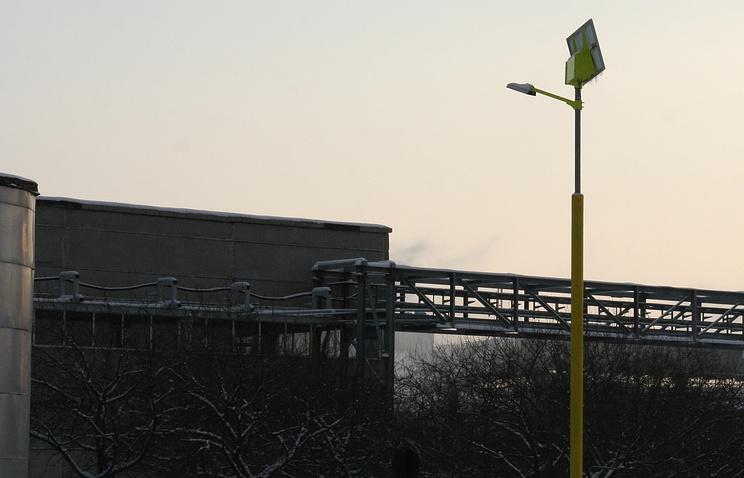 Уличный светильник, работающий от энергии солнца