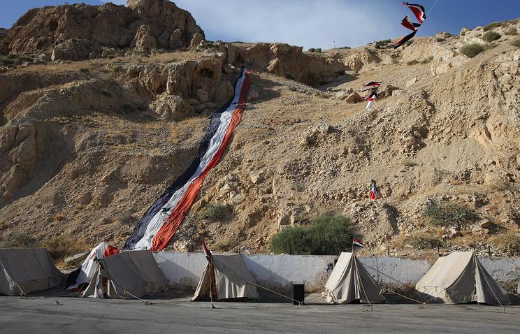 Пригород Дамаска, палаточный лагерь
