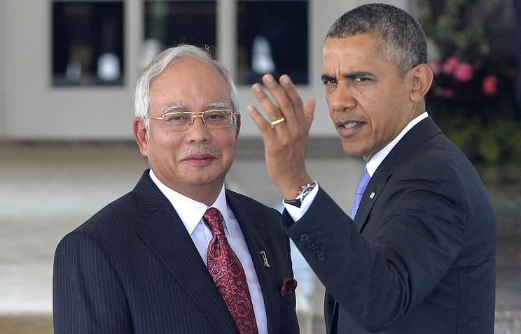 Премьер-министр Малайзии Наджиб Тун Разак (слева) и президент США Барак Обама (справа)